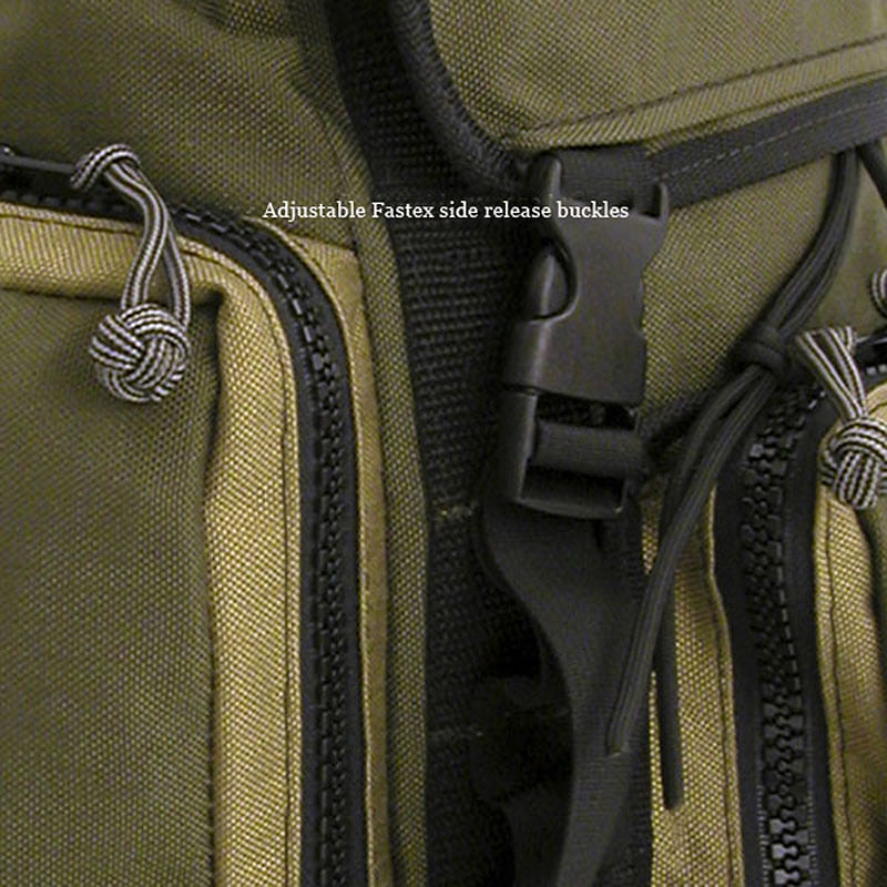 Fastex side release buckles make it easy to open and close your bag