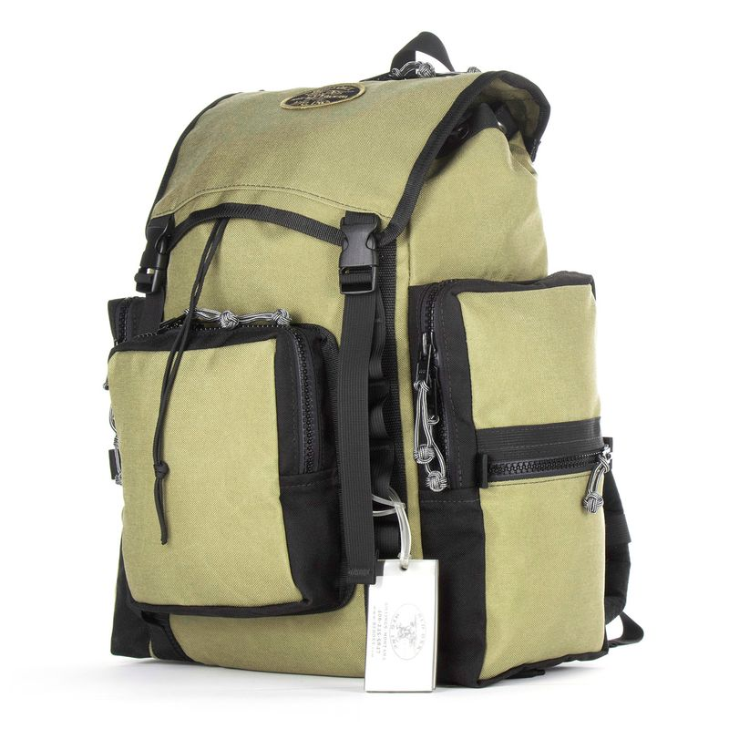 Red-Oxx-C-ruck---Side-front
