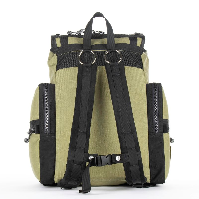 Red-Oxx-C-ruck---Back with straps